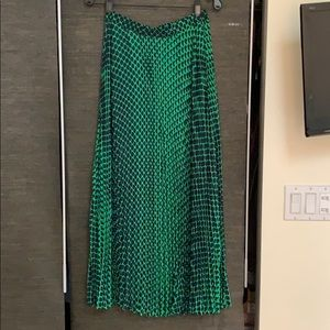 Club Monaco green and navy pleated maxi skirt